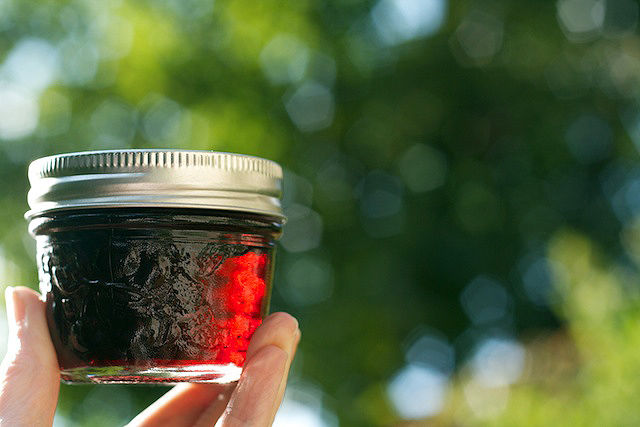 Homemade Red Wine Jelly - TheMessyBaker.com