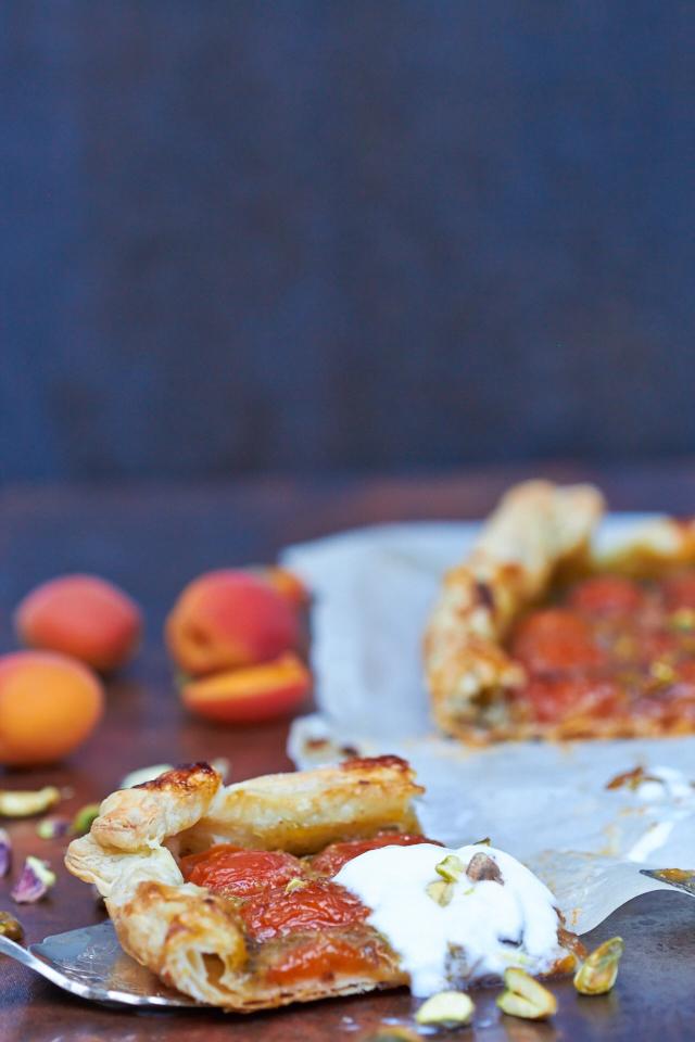 Apricot Pistachio Tart - TheMessyBaker.com