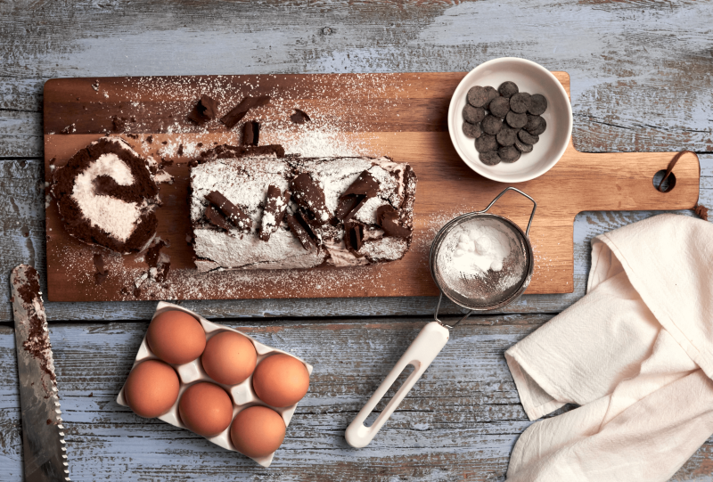 Mary Berry's Ultimate Chocolate Roulade with Chocolate Curls